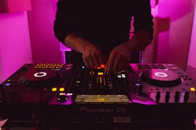 5 Best DJs in Quebec